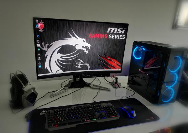komputer-gamer-msi