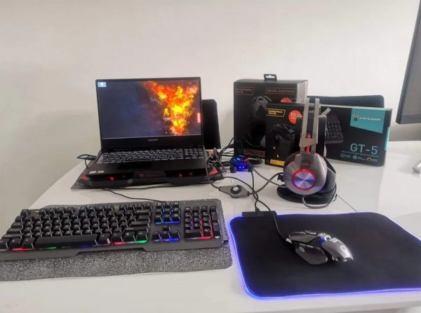 gamingowy-laptop-Lenovo-legion 8gen
