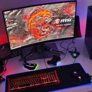 gamingowy-komputer Msi-i5-8gen-16gb-r9-ssd-+1Tb +gry